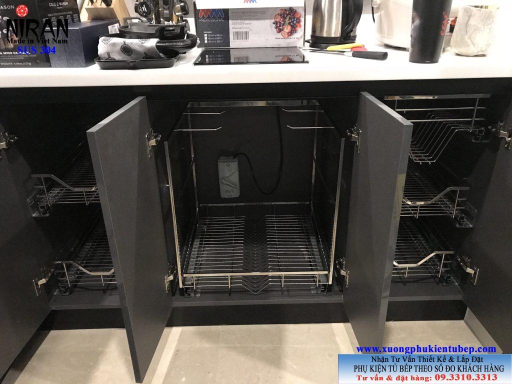Hình ảnh thực tế phụ kiện tủ bếp Niran nhà Chị Nhung Chung cư Nassim