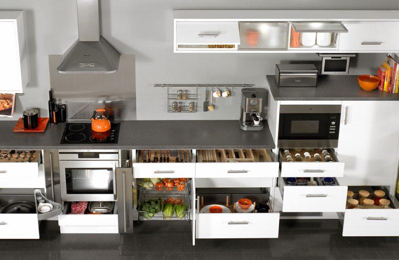 Mua phụ kiện tủ bếp ở đâu uy tín TPHCM