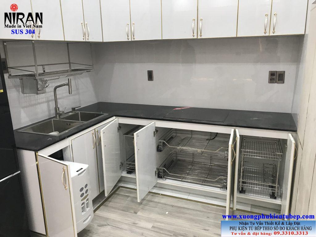 Lắp đặt phụ kiện bếp inox 304 Niran tại CC Richstar