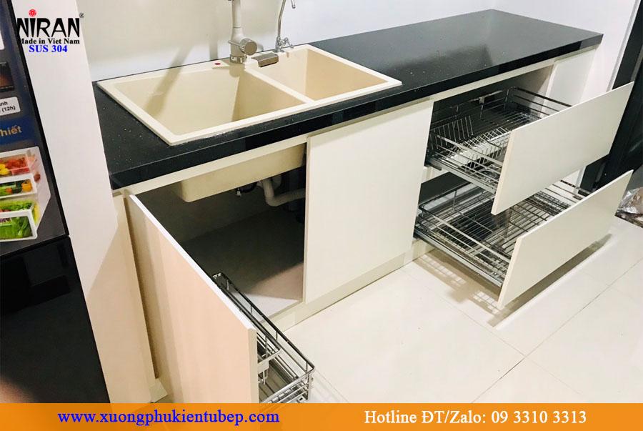 Lắp đặt phụ kiện tủ bếp Niran theo số đo thực tế
