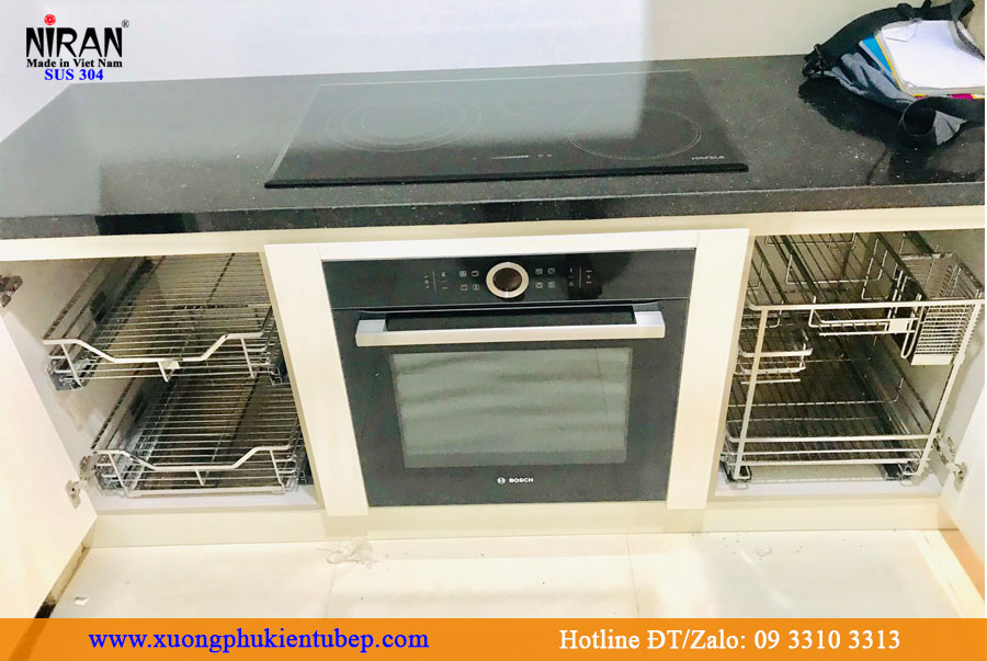 Lắp đặt phụ kiện tủ bếp inox 304