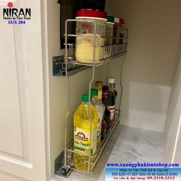 Giá để gia vị nhỏ gọn có ray kéo âm tủ bếp