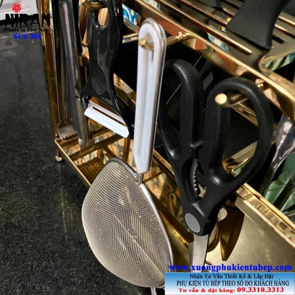Kệ treo dụng cụ nấu nướng để bàn inox 304 mạ vàng cao cấp